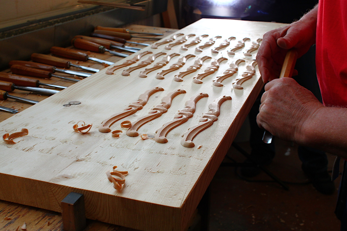 Акустический рояль PETROF P 173 Breeze Rococo белый полированный Фото 5